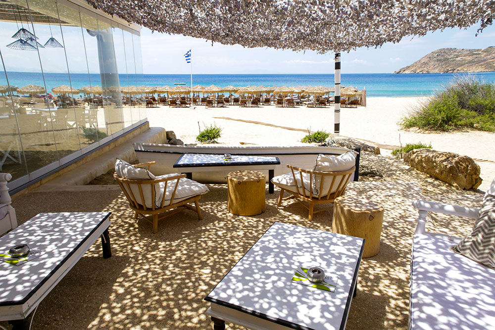 Top 6 beach bars in mykonos mykonos party guide for Beach bar ideas